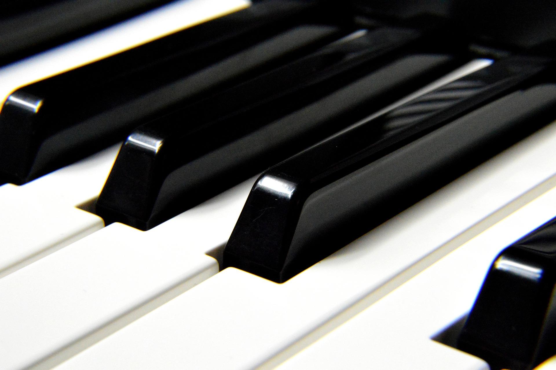 Rodzaje popularnych klawiatur w instrumentach klawiszowych